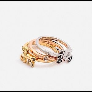 *NWT* Tricolor Coach Horse and Carriage 3 ring set